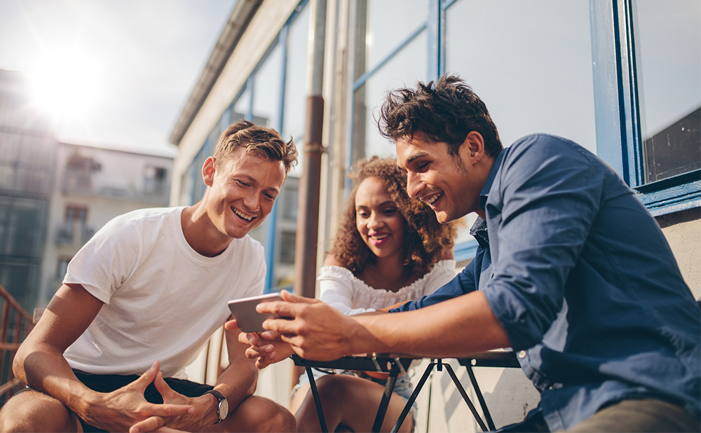 IRIS.TV Insights: 5 Tips to Maximize Video Engagement During the Summer Slump